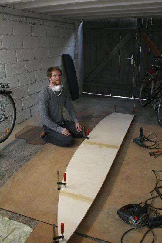 Έφτιαξε μόνος του ιστιοπλοϊκό σκάφος στο σπίτι (22)