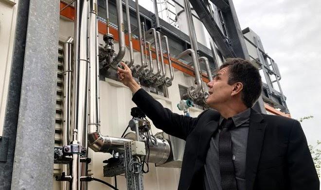 В Германии запущена экофабрика для получения авиатоплива из обычной воды