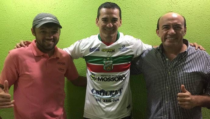 Baraúnas - ex-atacante Barata é apresentado como técnico do Baraúnas (Foto: Divulgação/Baraúnas)