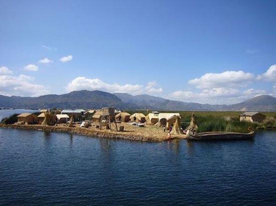 Η μοναδική λίμνη Titicaca και τα επιπλέοντα νησιά της (5)