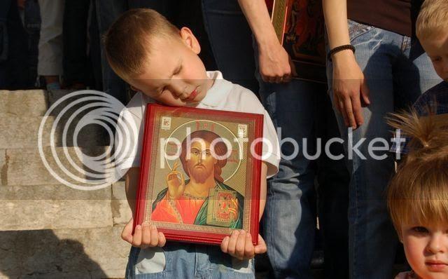 http://i1097.photobucket.com/albums/g353/orthodoxiaforum/242793-paidichristos.jpg