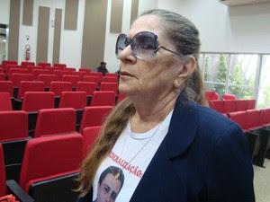 Nair Ávila, mãe do advogado Manoel Mattos  (Foto: Jhonathan Oliveira/G1)