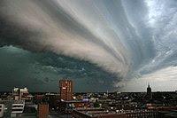 Rolling thunderstorm (Cumulonimbus arcus)