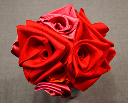 image ribbon roses mother's day tutorial diy valentine's bouquet burdastyle