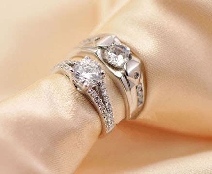 15 Best Designs of Engagement Rings for Couples in India