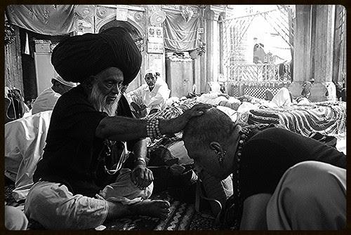 Dam Madar Beda Par.. by firoze shakir photographerno1