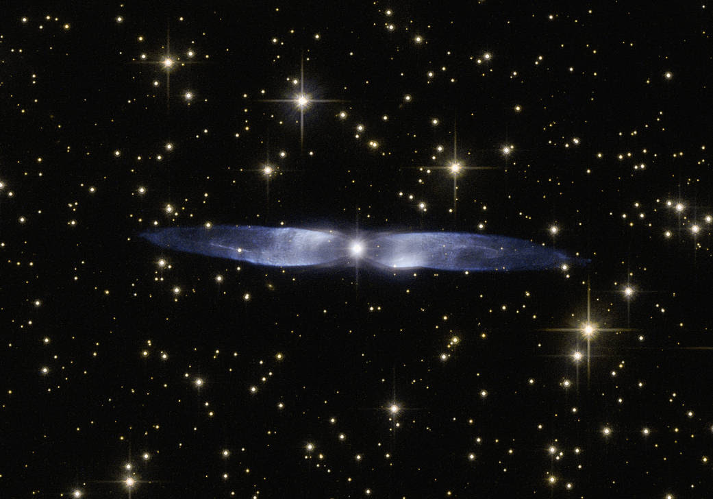 Hubble image of planetary nebula Hen 2-437