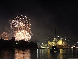 2005 Sydney Harbour New Year's Eve Fireworks o...