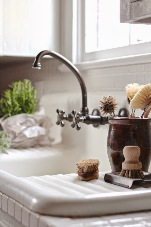 Favorite Kitchen Sink | Friday Favorites on www.andersonandgrant.com
