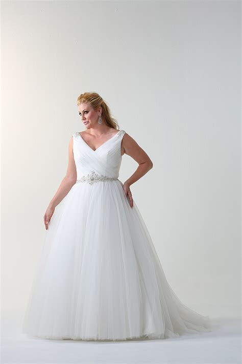 Where to Find: Plus Size Wedding Dresses   OneFabDay.com