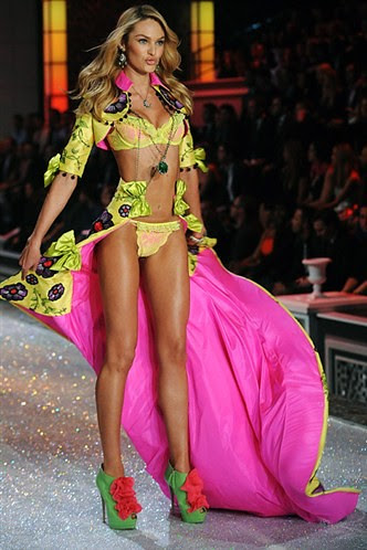 fotos desfile Victoria's Secret martes 29 Noviembre 2011 11