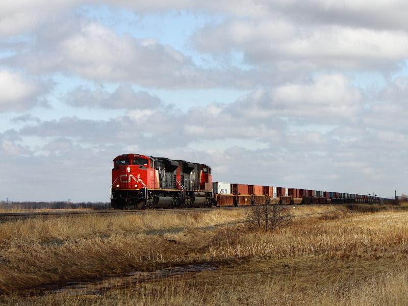 CN 8856 leaving Winnipeg