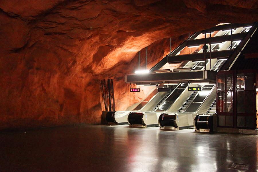 Resultado de imagem para metrô Estocolmo