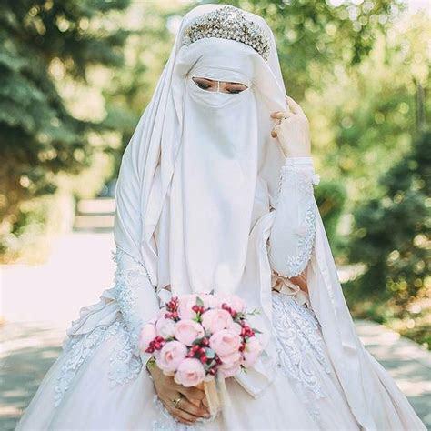 edisi terbaru gaun pengantin muslimah simple tapi elegan