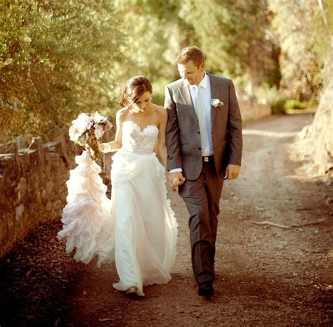 Best 25  Bohemian wedding gowns ideas on Pinterest