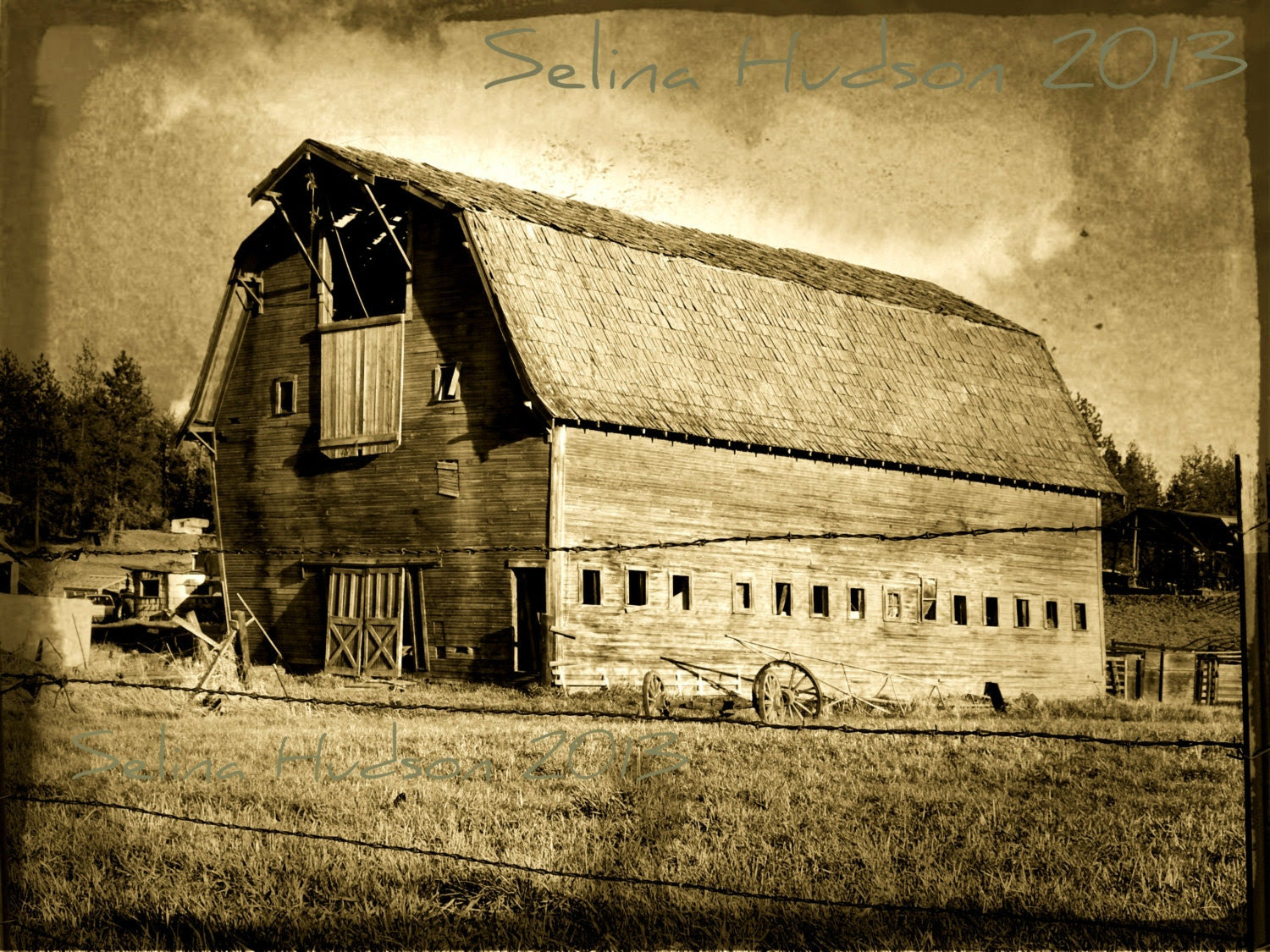 Old Fashion Barn photo - 8 x 10 frame Print Art Photography