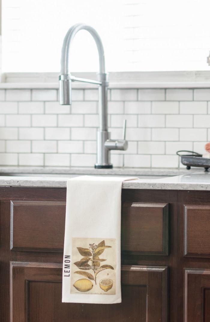 DIY Lemon Kitchen Towel Tutorial