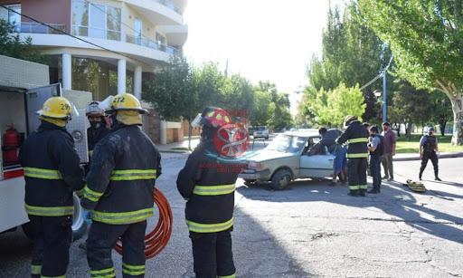 Una mujer fue rescatada por Bomberos