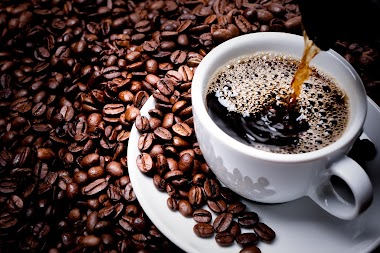 Kafa kao čudo prirode! Da li piling sa kafom stvarno odstranjuje celulit?