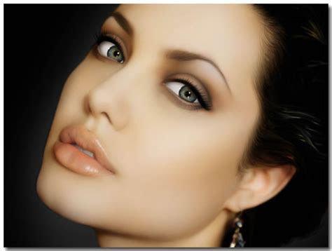 Angelina Jolie Windows 7 Theme With 10 Beautiful Crafted