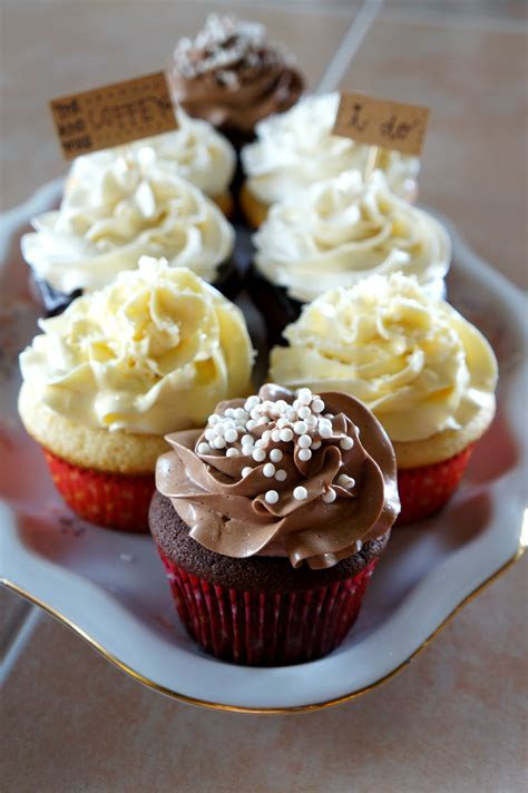 wedding cake tasting {small batch recipes}   The Baking Fairy