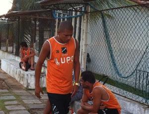 Elionar Bombinha durante treinamento no ABC (Foto: Matheus Magalhães/Globoesporte.com)