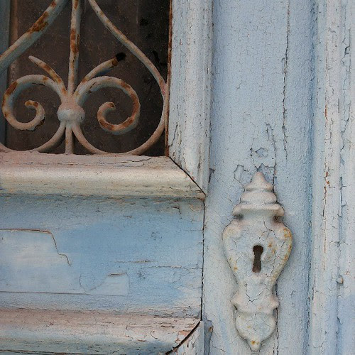 #blue #doors #doorsworldwide #doors_p #rust #keyhole by Joaquim Lopes