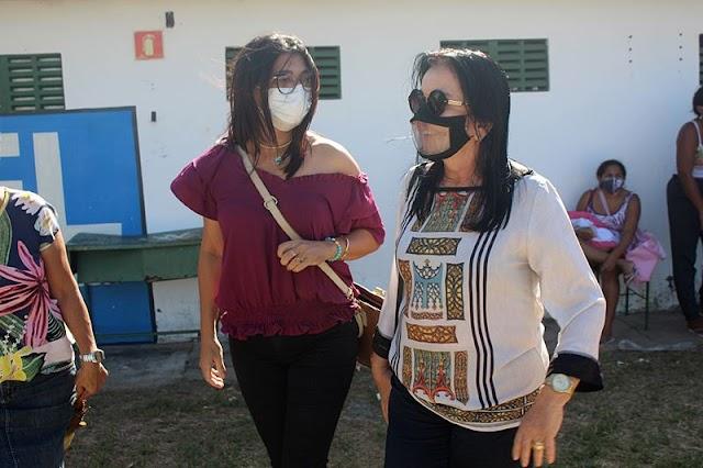 Prefeitura de Parnaíba e SESI entregam cestas básicas a famílias carentes de Parnaíba