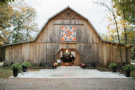 RiverView Family Farm   Knoxville TN   Rustic Wedding Guide