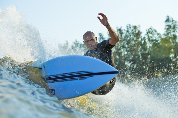 Kelly Slater Wave Company: perfect, long and hollow barrels | Photo: Todd Glaser
