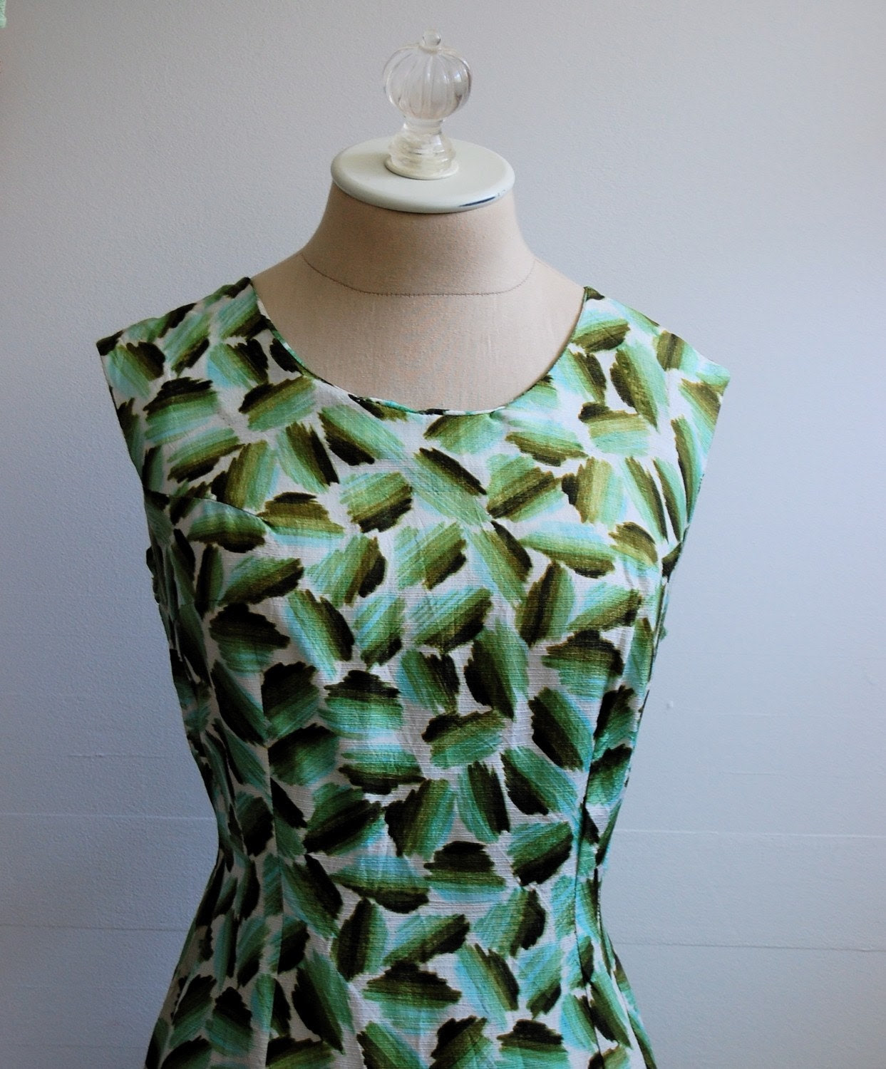 The Joplin- Vintage 1960s Abstract Printed Shift Dress L