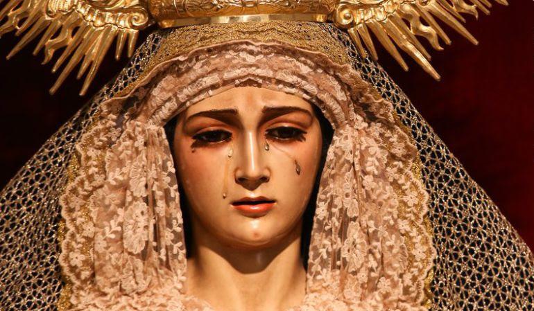 La Virgen de La Soledad de Los Servitas, obra de Dubé de Luque en 1967