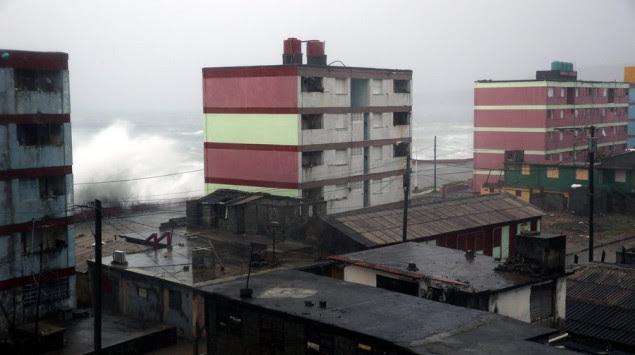 Τυφώνας Μάθιου: Η πιο σφοδρή καταιγίδα των τελευταίων 10 ετών! [pics, vids]