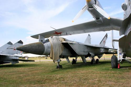 Mikoyan-Gurevich MiG-31 96 blue