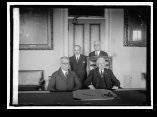 El dictador Gerardo Machado y el Secretario de Estados Kellogg, junto al Embajador Carlos Manuel de Céspedes y el Ministro Consejero Pardo