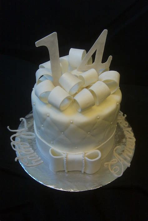 17 best Anniversary Cakes images on Pinterest