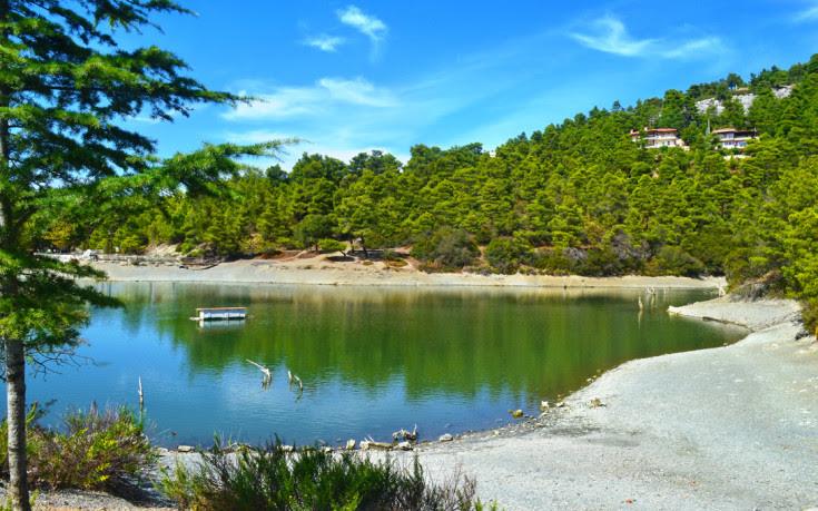 Η άγνωστη λίμνη στις πλαγιές της Πάρνηθας