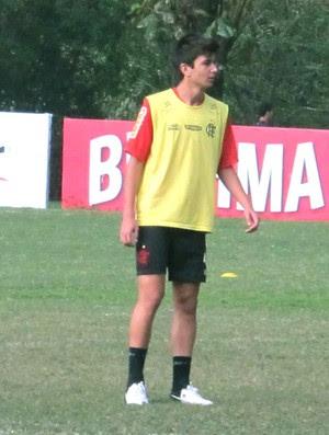Mattheus no treino do Flamengo  (Foto: Rafael Cavalieri / Globoesporte.com)