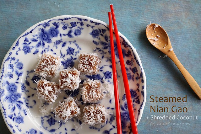 Steamed Nian Gao with Shredded Coconut