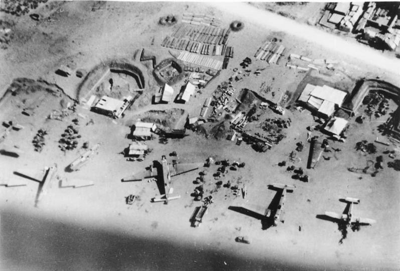 File:Bundesarchiv Bild 183-B10713, Kreta, Sammelplatz des Generalluftzeugmeisters.jpg