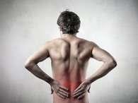 O principal sintoma do cálculo renal é a cólica renal, uma dor aguda nas costasFoto: Getty Images