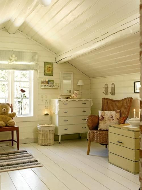 Gorgeous.  More pics of this cabin in Norway at the link