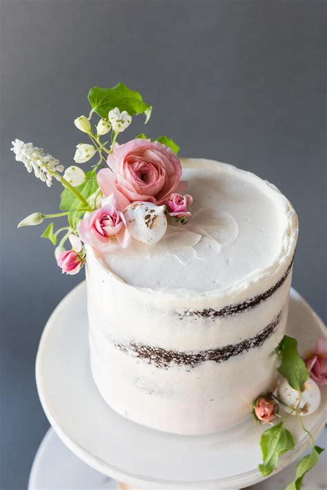 Where Should I Display My Wedding Cake   Tips