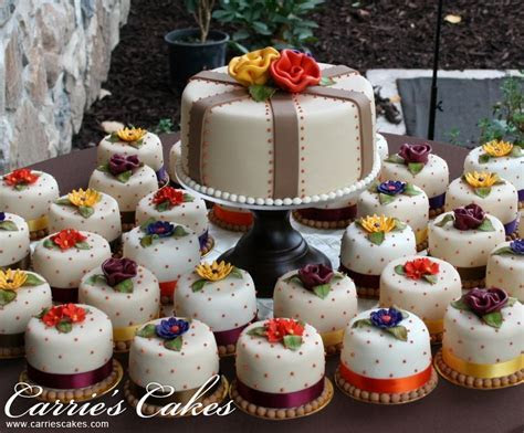 Fall Color Cakes   Carrie's Wedding Cakes