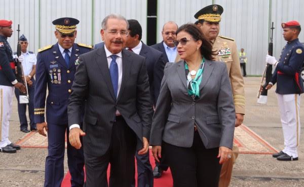 Presidente Medina partió a Cuba; participará en la Cumbre de AEC