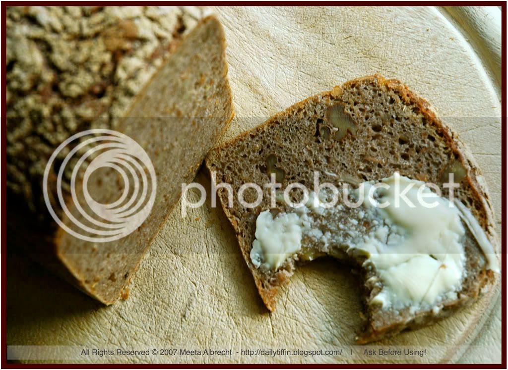 walnut bread (02)