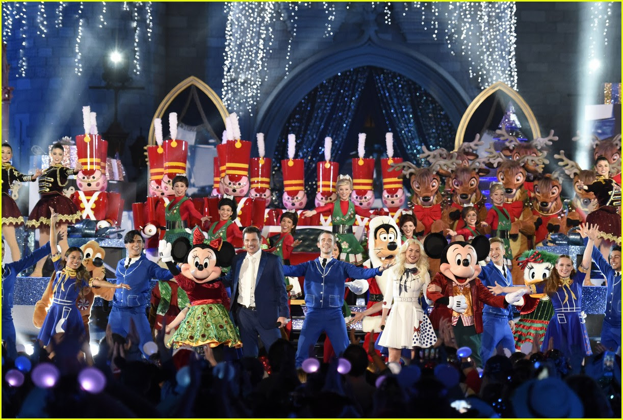 Disneys Magical Holiday Celebration 2017 Performers