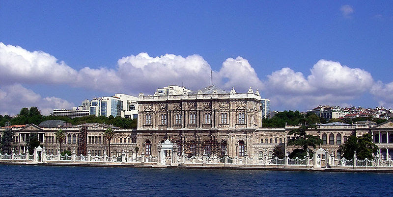 Dosya:Dolmabahce.jpg