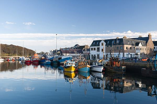 File:Stornoway Harbour.jpg
