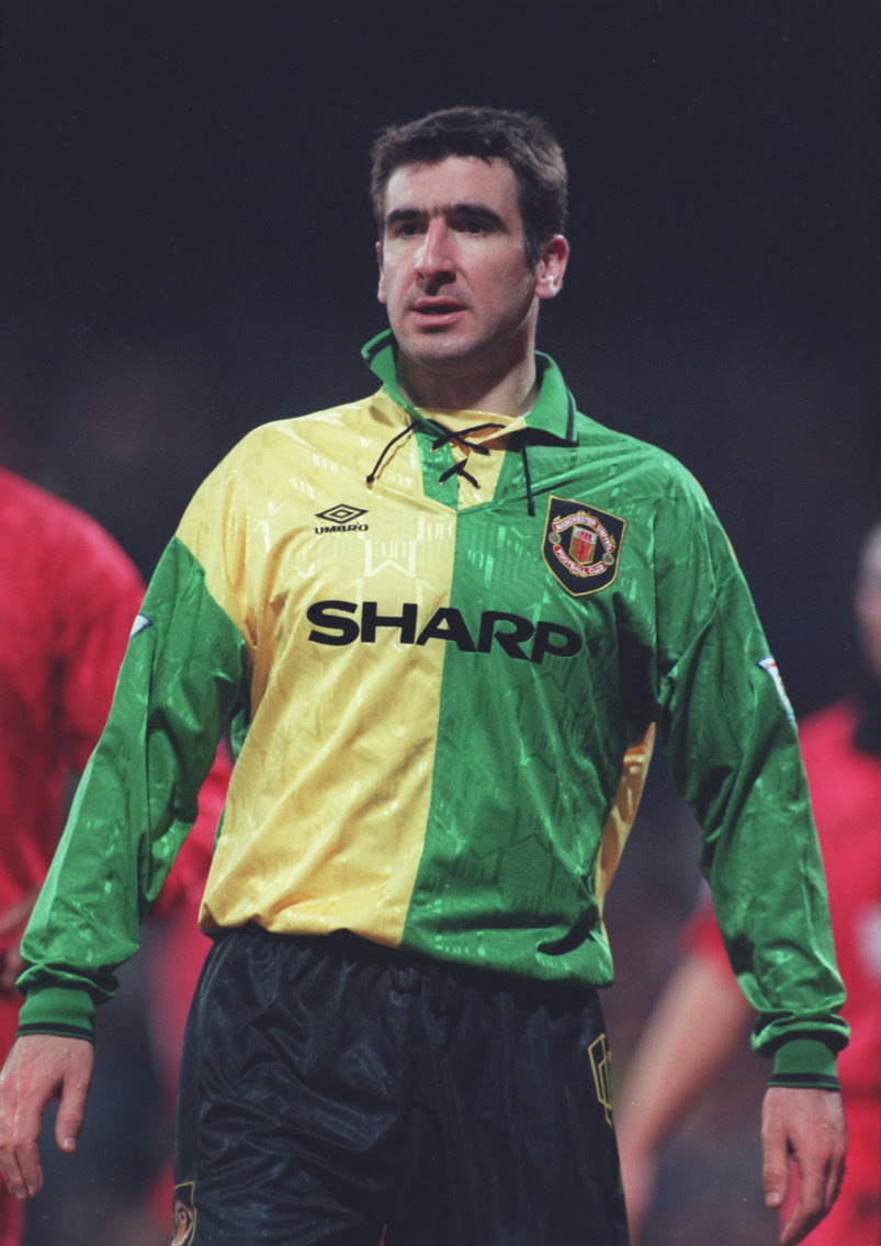 The History of the Manchester United Home Jersey - Soccer365